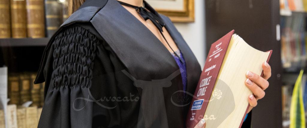 Risultati immagini per toga avvocato