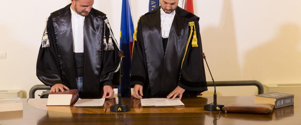 toghe-per-avvocati-giudice-sartoria-forense-img-slide-2400-1000