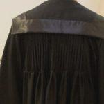 toga-modello-piegoline-dettaglio