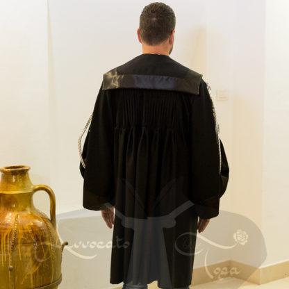 toghe-avvocati-online-modello-piegoline-avvocato-in-pura-lana-vergine-modello-piegoline