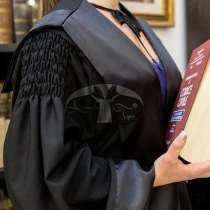toga-per-avvocato-donna-modello-riccio-dettaglio-manica-sartoria-forense