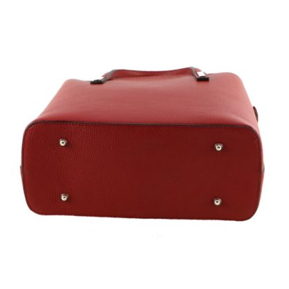 borsa-donna-in-vera-pelle-a-mano-e-tracolla-con-piedini-interno-colore-rosso-AT171030