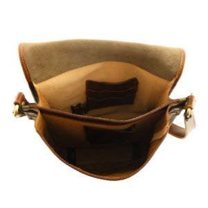 borsello-uomo-in-pelle-colore-marrone-dettaglio-interno-scomparti-AT172021
